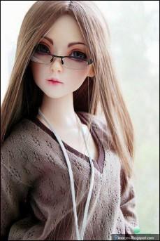 glasses-cute-doll-girl